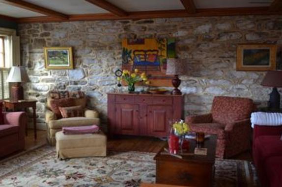 148918_4708_fieldstone living room.jpg