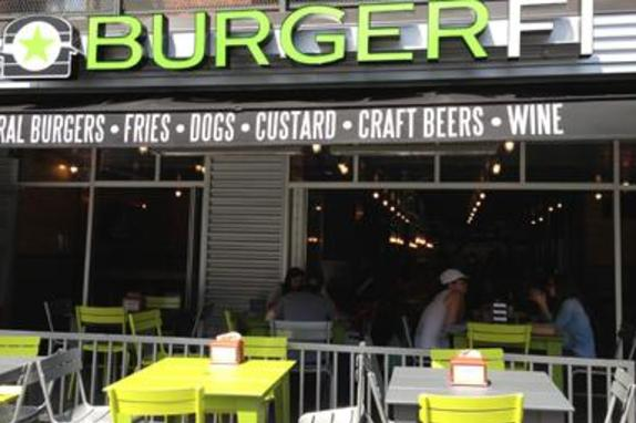 149482_5257_burgerfi patio.jpg