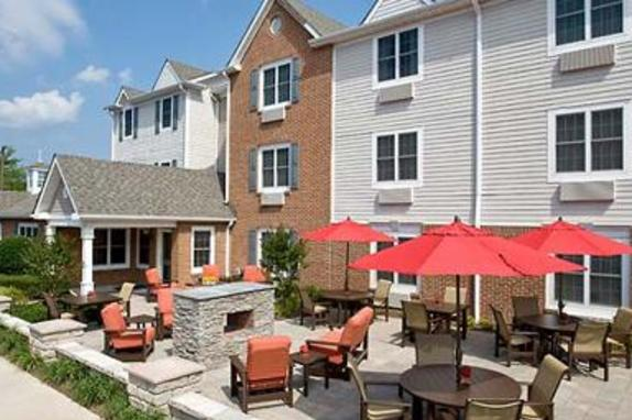 2260_4551_town place dulles outdoor.jpg