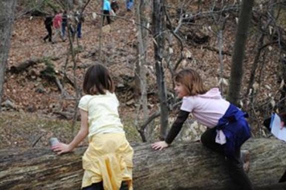 60_4481_girls on trail.jpg