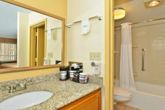 845_4904_BW_bathroom_vanity_brand_2_13.jpg