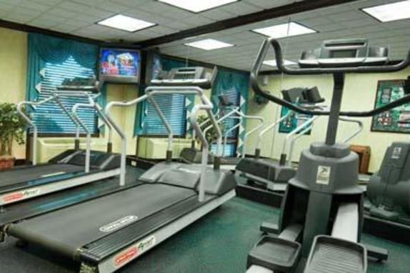 845_4905_BW_Fitness_Center_07_Frasier2.jpg