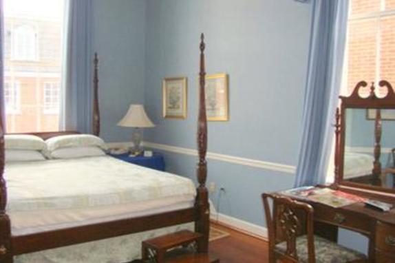 84_4748_Leesburg Colonial Bed 3.jpg