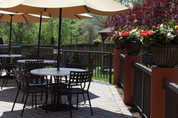 9471_4585_comfort suties patio.jpg