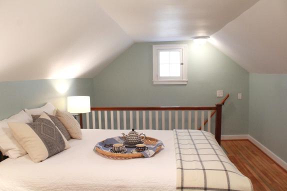 Cottage B&B upstairs