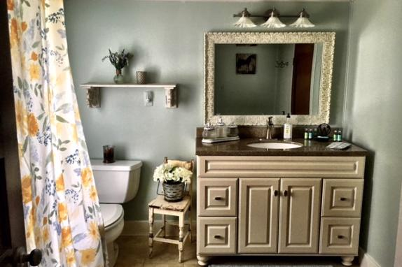 Farmhouse Main Bathroom