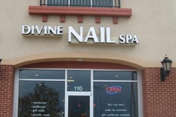 Divine Nail Spa Exterior