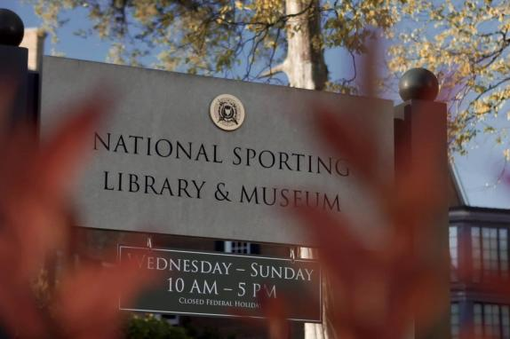 sporting museum logo