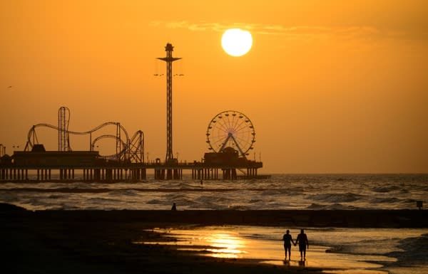Galveston Pleasure Pier at sunset
