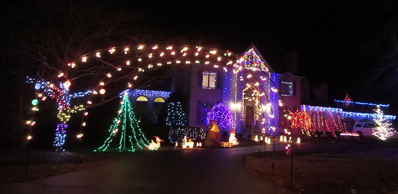 Pfadenhauer & Buck Homes, Christmas Lights in Fairfax County