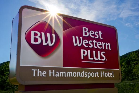Best Western Plus Hammondsport Sign
