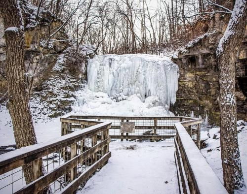 Frozen Hayden Run Falls