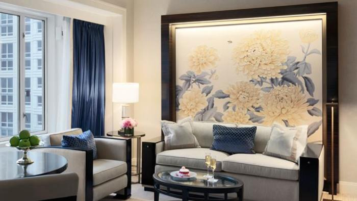 The Peninsula Chicago guest room