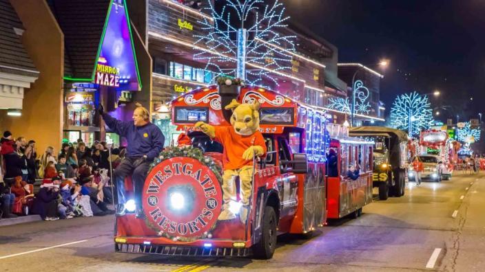 Morristown, Tn Christmas Parade 2021 Fantasy Of Lights Christmas Parade