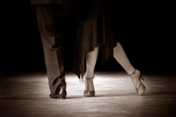 BW-Dance-Feet-iStock_000005333880XSmall1_8c2cb160-f0ae-5102-065b0e36e6a8e2c1.jpg