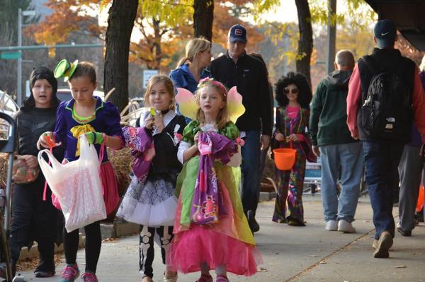 Great Pumpkin Walk and Safe Halloween