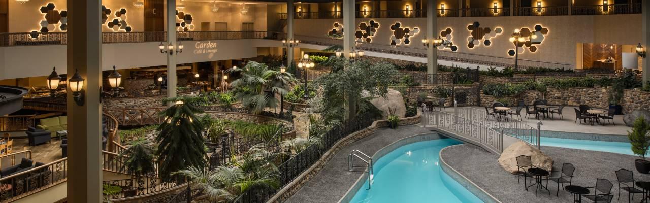 Saskatoon Inn pool