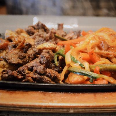 fajitas plates for 2 served at Espadin Restaurant in Temecula Valley