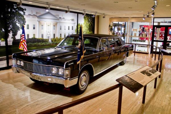 Limo at the LBJ Presidential Library. Courtesy of Lauren Gerson.
