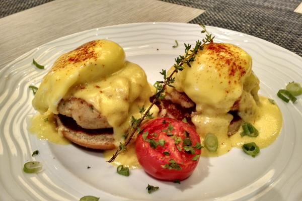 Favorites crab cake benedict