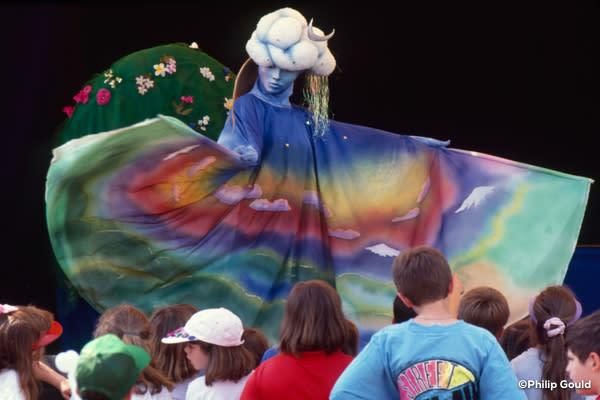 ©Philip Gould A. Beasley's puppets Place des Enfants 199