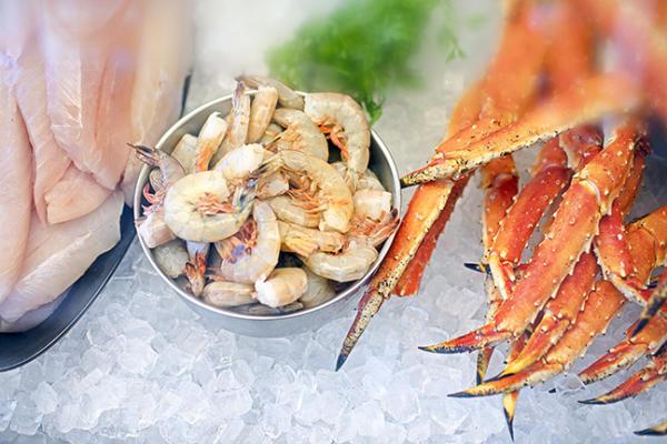 Fort Wayne Magazine Paula's on Main Street Seafood Market, Photo by Ruth Yaro