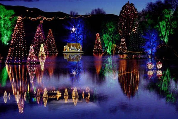 Holiday Lights in Utah Valley - Salem Pond