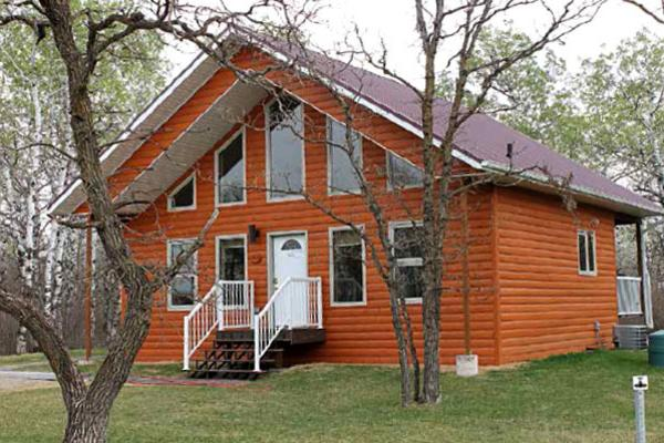 Get away to a cabin or cottage, experience Manitoba's Lake Life