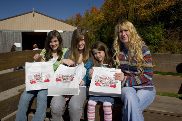 Apple Picking at Owen Orchards