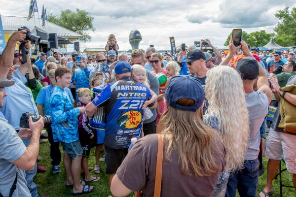Hartman snags Bassmaster Elite Series in Cayuga Lake