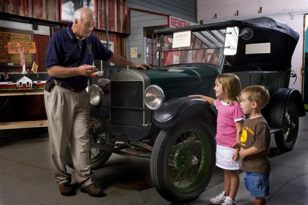 Ward O'Hara Agricultural Museum - children visting