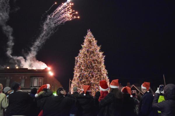 Christmas on Broadway Tree Lighting in Fort Wayne, Indiana