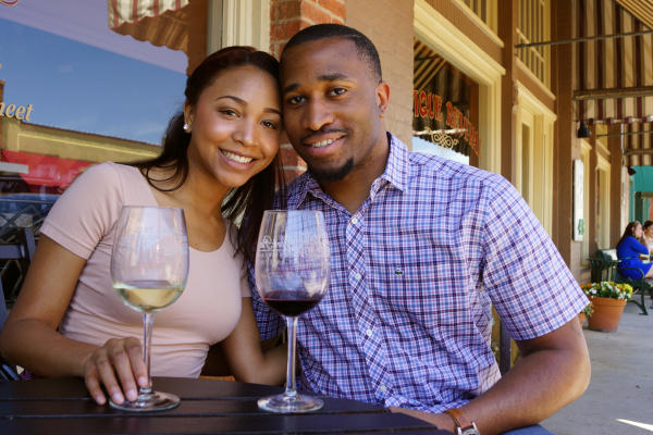 Urban Wine Trail Couple