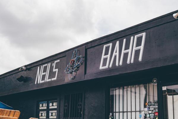 Neil's Bar