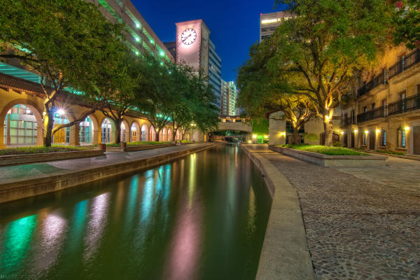 Mandalay Canal in Las Colinas at night