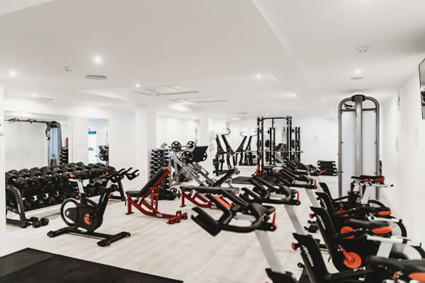 Hotel Gym by Humphrey Muleba from Unsplash