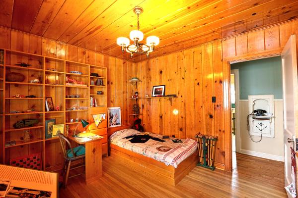 Photo of George W Bush's childhood bedroom