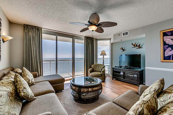 Condo-World Myrtle Beach room with an ocean view