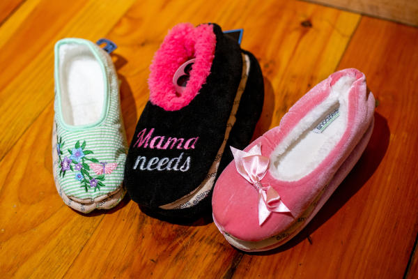 Imagine Gift Shop Mother's Day Slippers