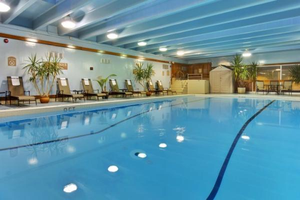 Sarnia Holiday Inn pool