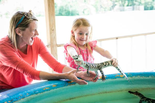 Charlotte & Christina, Insta-gator Ranch, kids