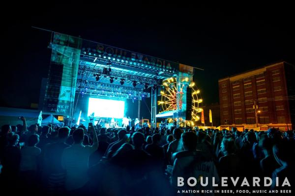 Boulevardia concert with Ferris Wheel in the background