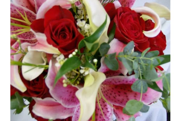 DeLoache Floristhas been offering the Columbia, South Carolina area superior floral arrangements and assortments since the late 1940's!