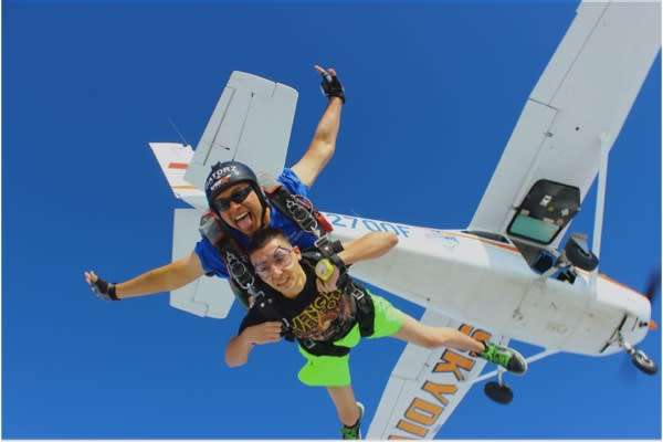 Foto Cortesía de Blue Skies Skydiving Center