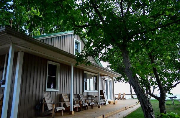 Stone's Throw cottage exterior