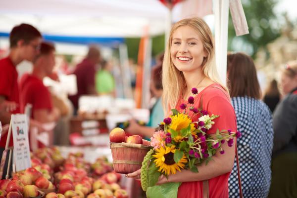 Capitol Lawn Farmer's Market