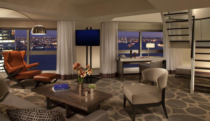 Ambassador Duplex Suite