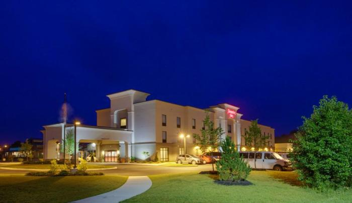Exterior of the Hampton Inn Brockport