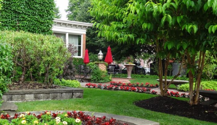 The Gardens at The Mansion