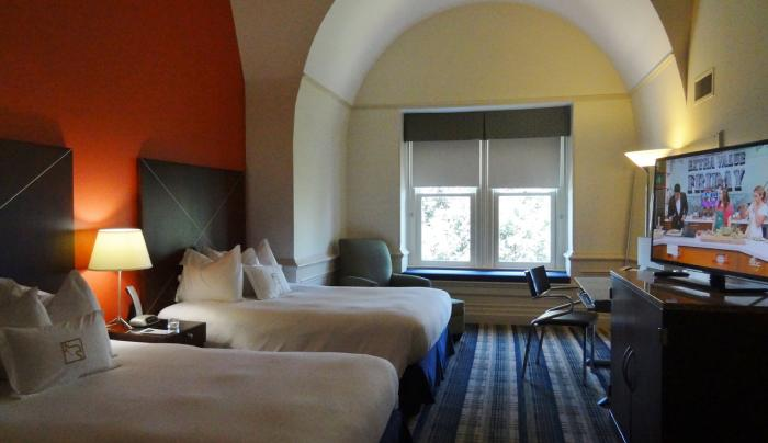 Grand Double Guestroom